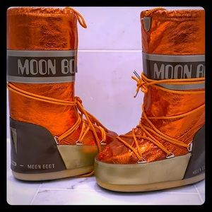 Winter moon boot
